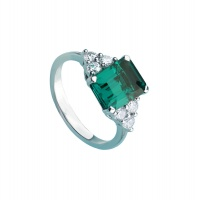 EMERALD TRIANGULAR SIDE RING