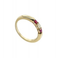 RUBY TRILOGY YELLOW GOLD RING